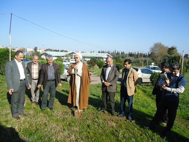 DSC09627 نمایش جشن درختکاری در مرکز تحقیقات و همچنین آموزش کشاورزی و همچنین منابع طبیعی گلستان