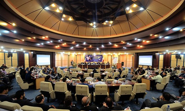 1464081530 dsc 1325 سخنرانی مسول روابط عمومی مرکز تحقیقات و همچنین آموزش گلستان در ششمین همایش روابط عمومی استان