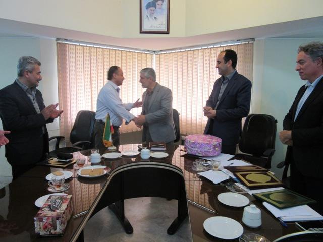 IMG 0036 تقدیر رییس مرکز تحقیقات و همچنین آموزش گلستان از افراد شورای مرکز رشد کشاورزی و همچنین منابع طبیعی استان گلستان