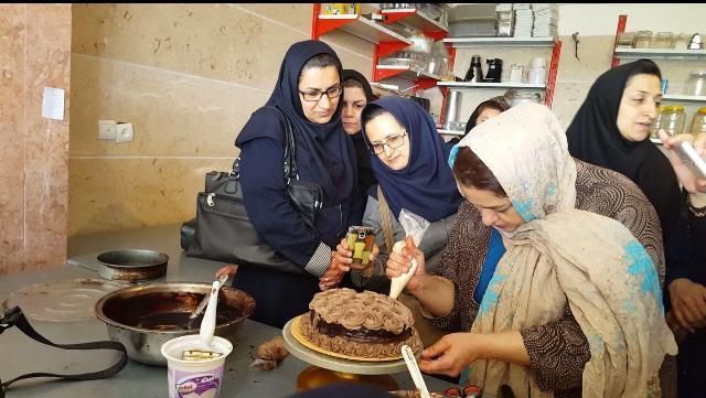 photo 2016 05 14 12 03 11 بازدید کمیته بانوان مرکز تحقیقات و همچنین آموزش گلستان از مجموعه تولیدی بانوان کارآفرین گرگان