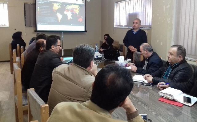 N9711272B برگزاری دوره آموزشی ملی کشت نشایی گیاهان زراعی در مرکز تحقیقات و همچنين آموزش گلستان