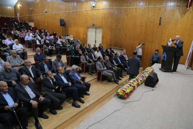 N9807242B آیین نکوداشت پروفسور جعفر ارشاد استاد سرآمد گیاه پزشکی برگزار شد