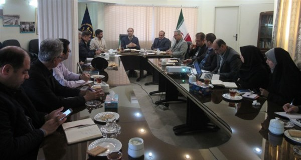 N9810113B برگزاری جلسه هم اندیشی با موضوع انار در مرکز تحقیقات و همچنين آموزش گلستان