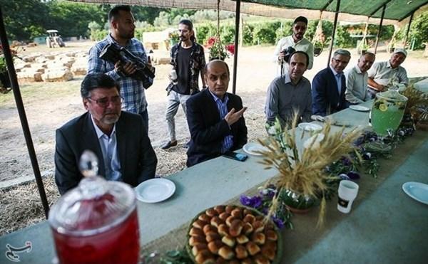 N9903244C برگزاری نخستین همایش انجمن فعالان گردشگری کشاورزی ایران در مجموعه ایران تمشک وابسته به مرکز تحقیقات و همچنين آموزش گلستان