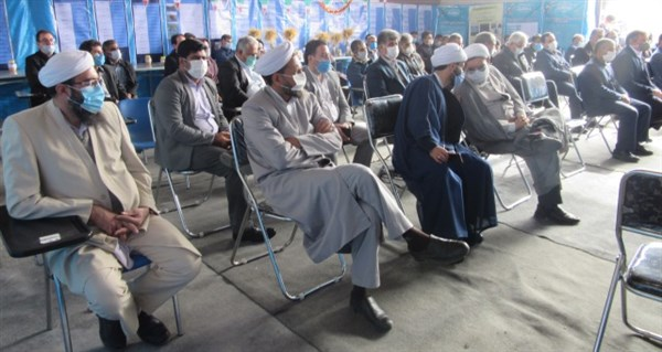 N9911212C برگزاری آیین تجلیل از بازنشستگان ایستگاه تحقیقات کشاورزی گنبد کاووس
