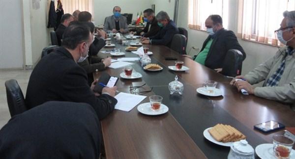 N9912241A جلسه مشترک مدیریت باغبانی استان و همچنين مدیران و همچنين کارشناسان مرکز تحقیقات و همچنين آموزش گلستان