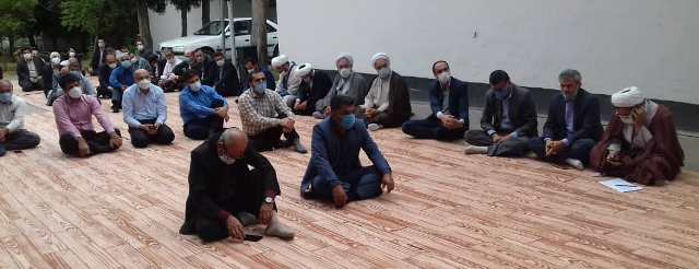 %name حضور رئیس مرکزتحقیقات و همچنين آموزش گلستان در مراسم بزرگداشت دهه کرامت و همچنين هفته جهاد کشاورزی
